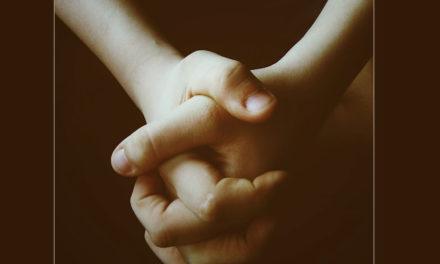 A oração alimenta o amor a Jesus e ao irmão
