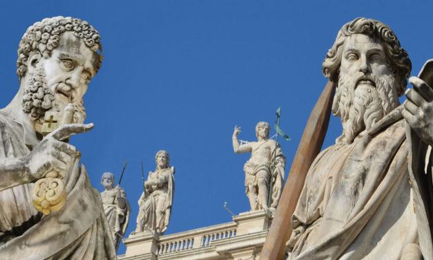 Os Apóstolos são fundamento da Igreja, em Cristo.