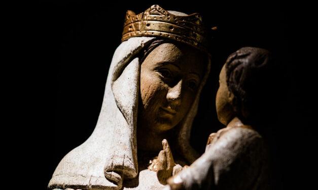 Maria é Mãe e Rainha