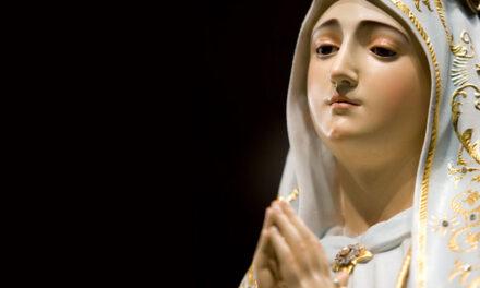 Maria concede a graça da santidade.