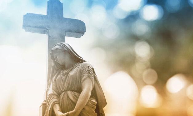 De pé com os olhos e o Coração postos em Ti, Jesus.